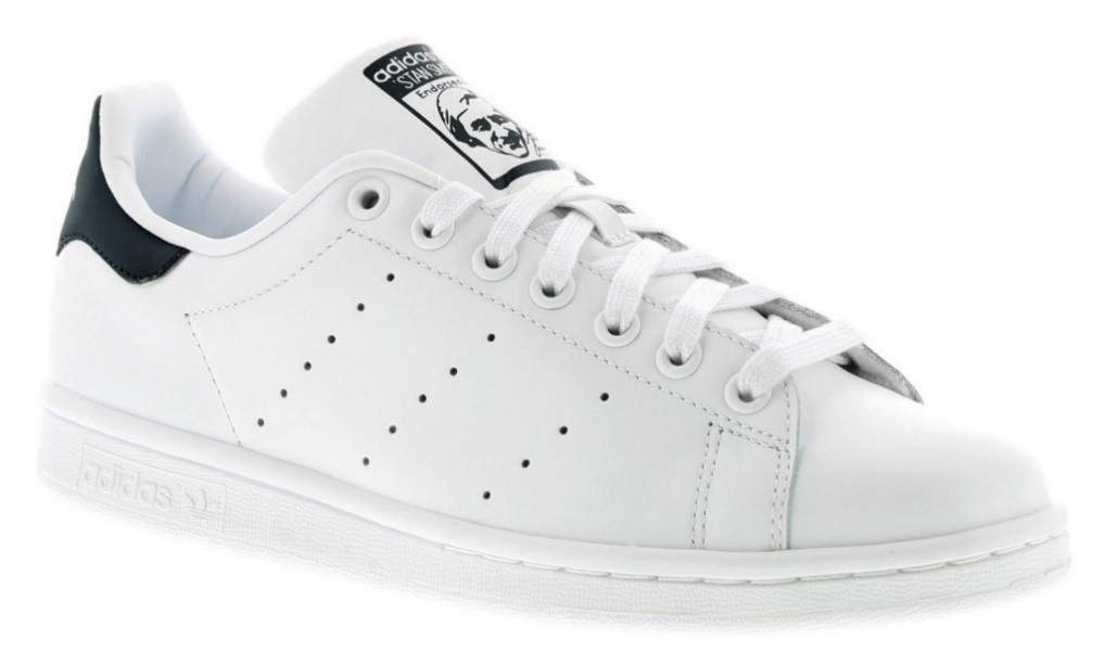 All-white trainers are the master of versatility! Spicing up your formal wardrobe is a breeze with these minimalist sneaks.